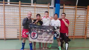 Spartanie na obozie Muay Thai