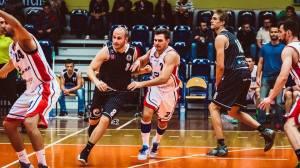 Domowe starcie koszykarzy