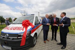 Szpital w Jaworznie kupiA� karetkA� dziA�ki Fundacji TAURON